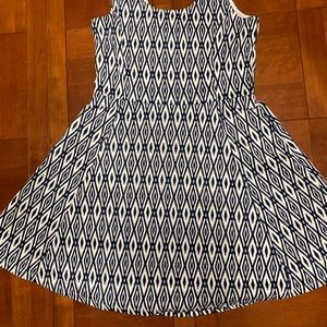 H&M Divided Diamond Pattern Midi dress Blue/Wht